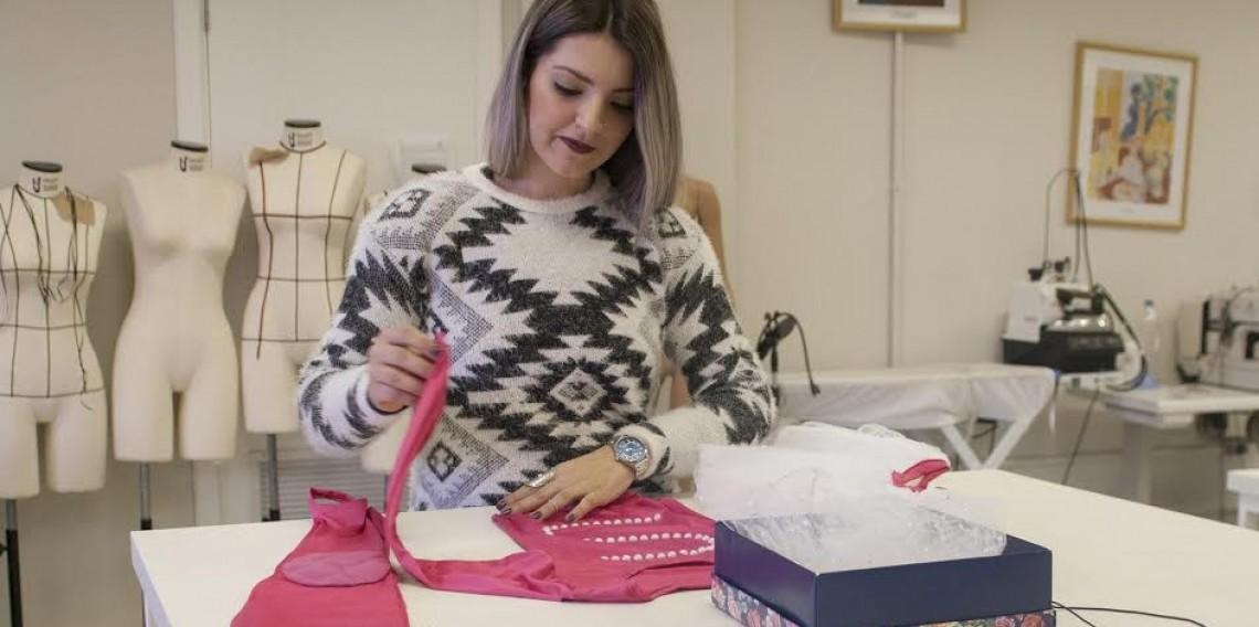 Estudantes do curso de Design de Moda estão desenvolvendo as roupas para o Desfile de Moda Inclusivo.