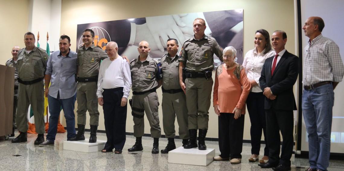 Homenagem policiais militares