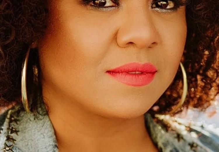 Angela Santos Colassiol, 34 anos, cabeleireira e proprietária de salão de beleza Studio Angela Santos Colassiol